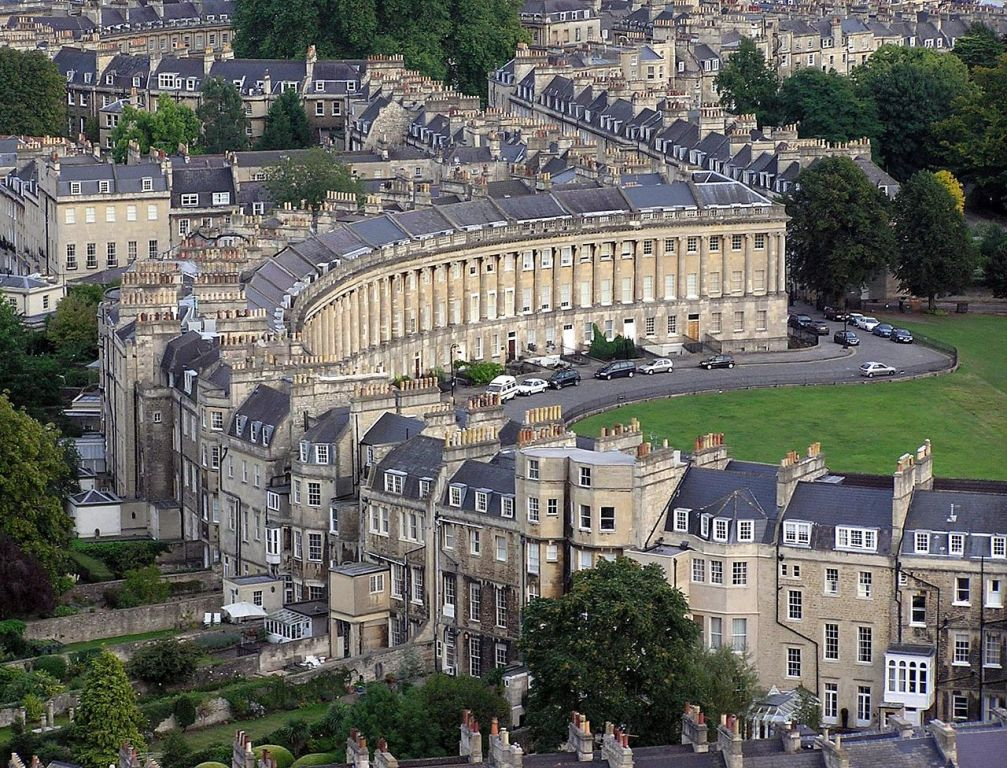 1280px Royal.crescent.aerial.bath.arp